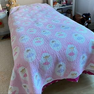 Girl's Twin Size Coverlet Pink Ballerinas